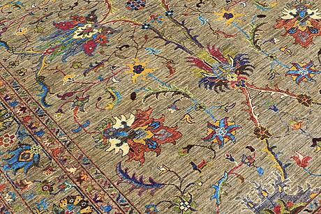 A carpet, ziegler design, ca 304 x 214 cm.
