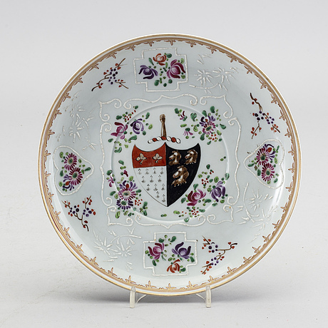 A chinoiserie plate from samson, france, circa 1900.