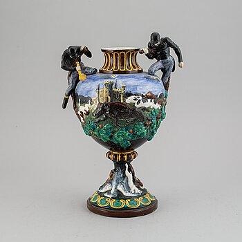 Urna, majolika, Gustafsberg, sent 1800-tal.