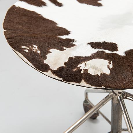 """Arne jacobsen, skrivbordsstol, """"sjuan"""", fritz hansen, danmark 1963."""