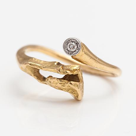 """Björn weckström, ring """"diamantbrunn"""", 18k guld, diamant ca 0.02 ct. lapponia."""