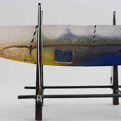 Bertil vallien, a glass sculpture, kosta boda, signed and numbered 38/50.