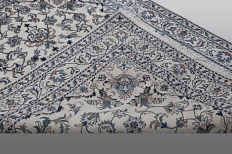 Matto, nain, part, silk, ca 230 x 158 cm.