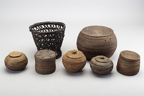 A set of 7 rattan baskets from indonesia 19th century.