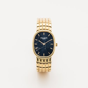 Patek Philippe, Genève, Golden Ellipse, wristwatch, 23 x 28 mm.