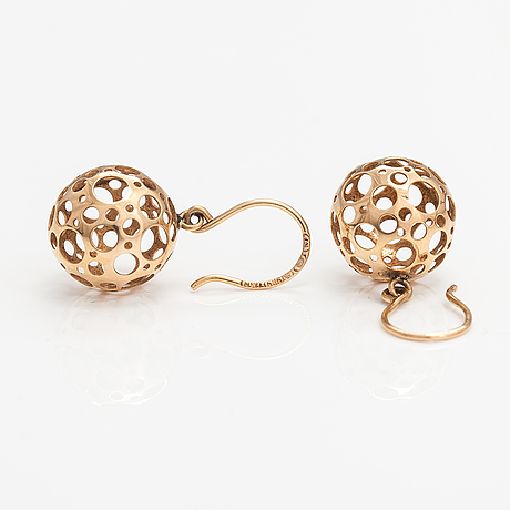 "Liisa vitali, a pair of 14k gold earrings ""leppäkerttu"". westerback, helsinki 1970."