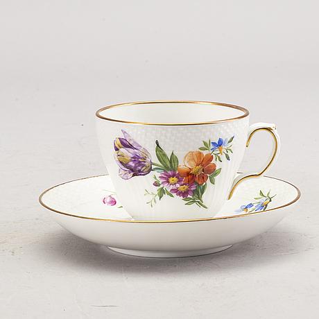 """Kaffeservis, porslin, 12 delar,  """"sachsisk blomst""""royal copenhagen."""