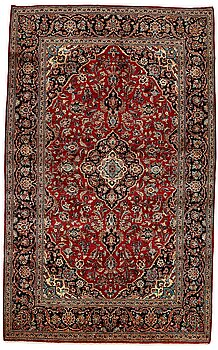 252. Matta, Old, silke Keshan, ca 224 x 138,5 cm.