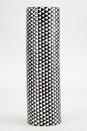 A 'domino' stoneware vase by stig lindberg, gustavsberg.