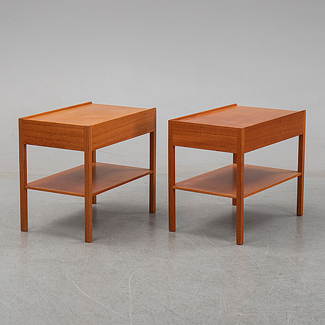 A pair of model 914 mahogany bedside tables by josef frank for firma svenskt tenn.