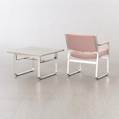 "Karl erik ekselius, soffbord samt karmstol, ""mondo"", joc möbler, vetlanda, 1900-talets andra hälft."