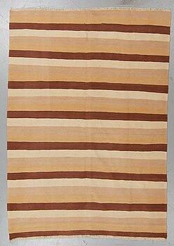 A rug, kilim 220 x 157 cm.