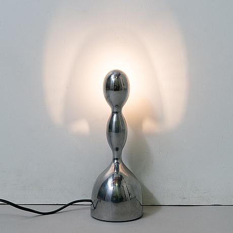 """Ilaria gibertini, pöytävalaisin, """"virgo"""", valmistaja nemo italia. suunniteltu 1993."""