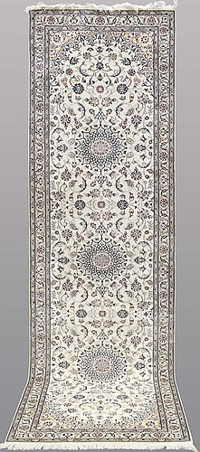 A runner nain part silk s.k 6laa ca 320 x 90 cm.