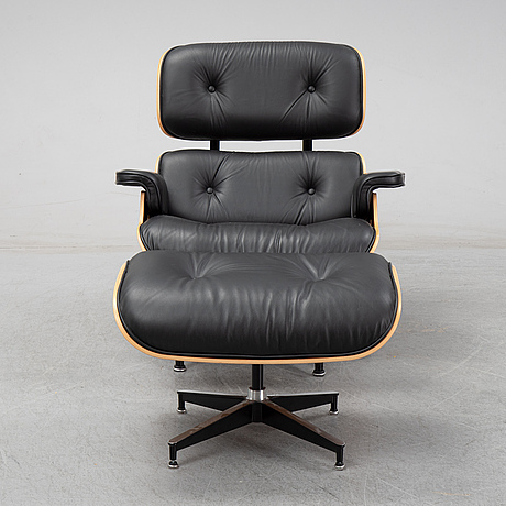 "Charles and ray eames, fåtölj med fotpall, ""lounge chair"", herman miller, 2016."