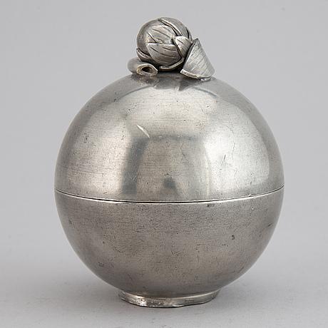 Estrid ericson, a pewter box, firma svenskt tenn, 1930.