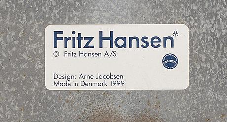 "Arne jacobsen, fåtölj, ""svanen"", för fritz hansen danmark, 1999."