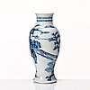 A blue and white vase, qing dynasty, 19th century.