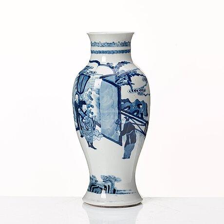 Vas, porslin. qingdynastin, 1800-tal.