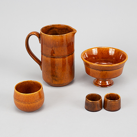 "A set of 53 pieces of brown glazed ""old höganäs""  service."