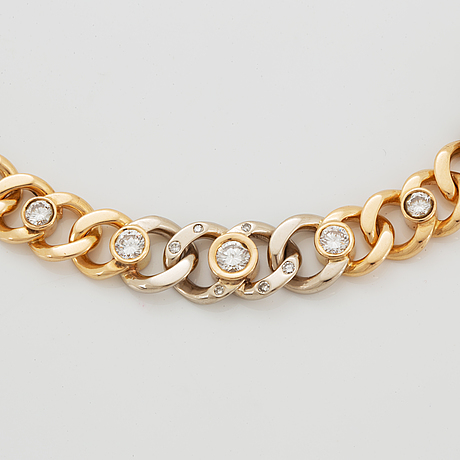 Collier, 18k vitguld och rödguld med briljantslipade diamanter.