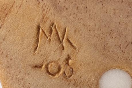 Martin kuorak kåsa signerad och daterad 05 samt två osignerade kåsor.