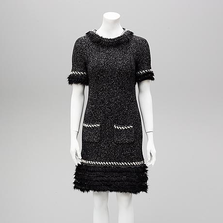 Chanel, dress size 38.