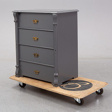 An end of the 19th century painted chest of drawers.