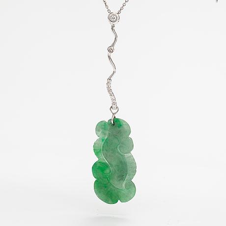 Kaulakoru, 18k valkokultaa, jade, timantteja n. 0.12 ct yht.