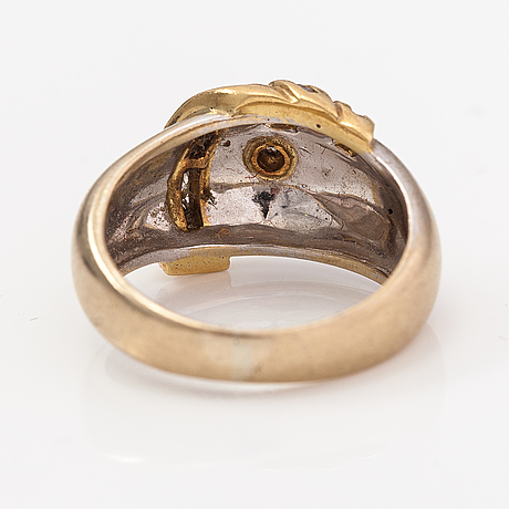 An 18k gold ring with diamonds ca. 0.21 ct in total.