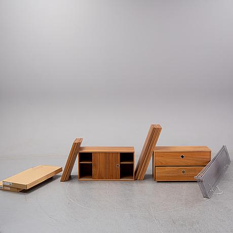 """Nils strinning, hylla, """"string"""", 3 sektioner, string-design, 2000-tal."""