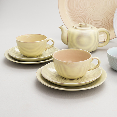 Michael schilkin, a tea set of 16 parts from arabia, finland 1950s-60s.