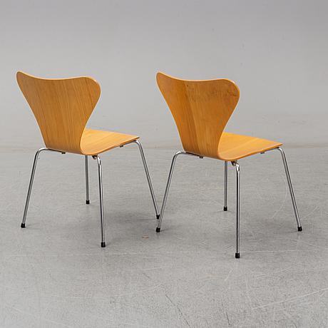 "Arne jacobsen, stolar, 8 st ""sjuan"" för fritz hansen danmark, 1988."