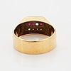 Ring, 18k guld med rubiner och små åttkantslipade diamanter.