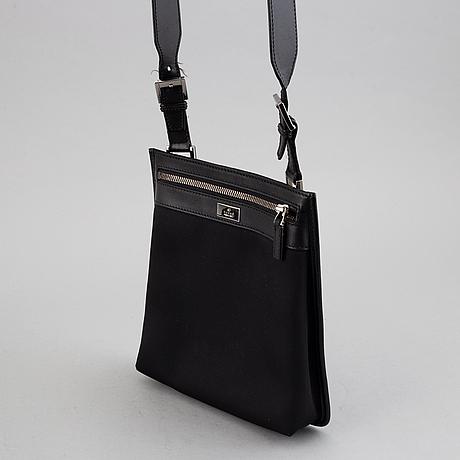 Gucci, messenger bag.