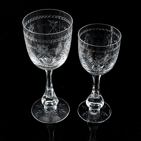 A crystal glass service, 44 parts, 20th century.