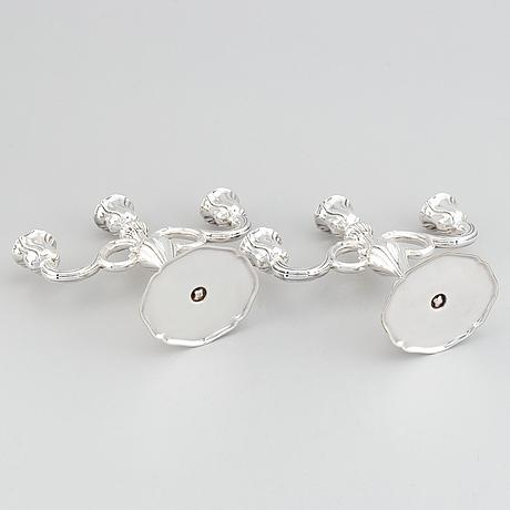 Kandelabrar, ett par, silver, rokokostil, 1900-tal. svensk importstämpel.
