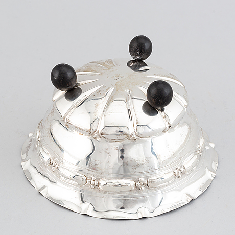 A 20th century silver bowl with swedish import mark.