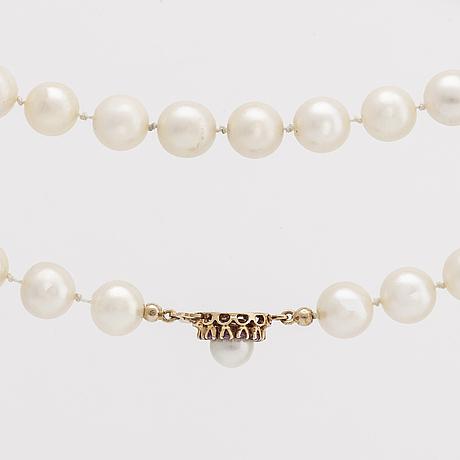 Pärlcollier, odlade pärlor ca 8,5 mm, lås 18k guld m odlad pärla och rosa safirer, ca 45 cm.