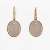 A pair of 14k gold earrings with calcedones. pekka ilmari aulin, turku 1958/59.