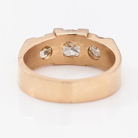 Sormus, 14k kultaa, cushion hiottuja timantteja n. 1.80 ct yht. vartanet deranax, vantaa 2019.