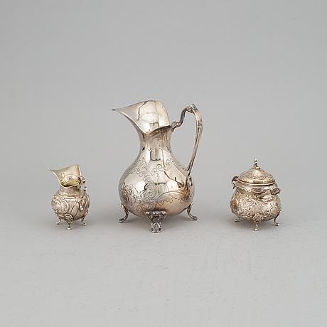Kanna, gräddkanna samt sockerskål, silver. bl a stiltenn sven carlsson, stockholm 1960.