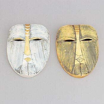 Lisa Larson, a pair of stoneware masks, K-Studion, Gustavsberg.