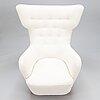 A mid-20th century armchair.