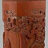 Tobaksaskar med lock, ett par, bambu. sen qingdynasti/ tidigt 1900-tal. torksprickor.