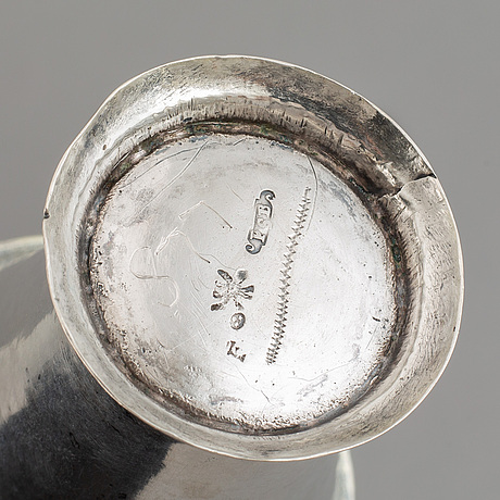 A swedish silver beaker, mark of petter söderbom, Örebro 1764.
