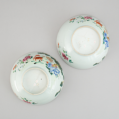A pair of famille rose bowls, qing dynasty, qianlong (1736-95).