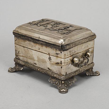 A silver box, mark of ludwik nast, warszaw. 19th century.