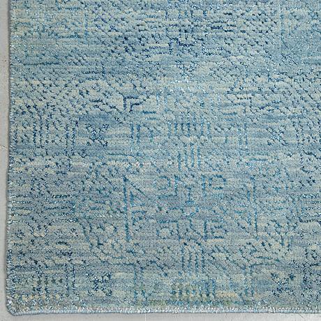 Gallerimatta, orientalisk, ca 305 x 82 cm.