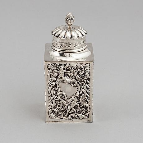 A silver tea caddy, mark of william comyns & sons,  london 1898.